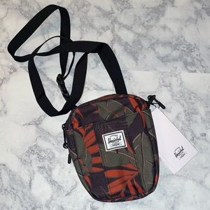 Herschel supply company  Cruz bag with leaves